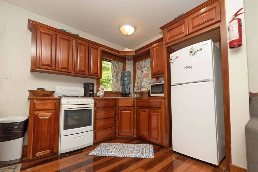 Barracuda House - Kitchen