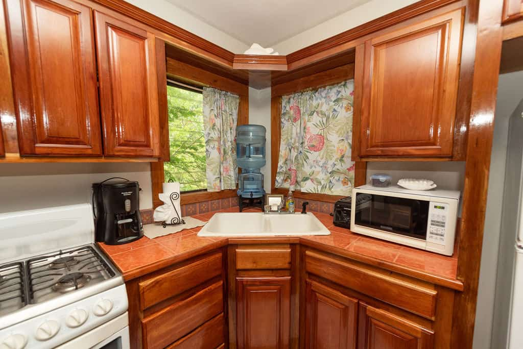 Barracuda House Kitchen Amenities
