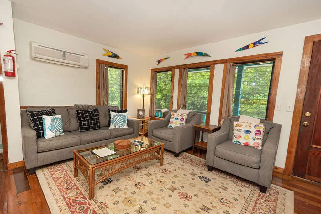 Barracuda House - Living Room 1