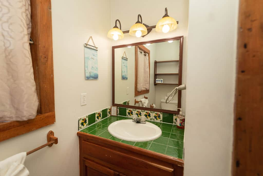 Barracuda House - Bathroom SInk