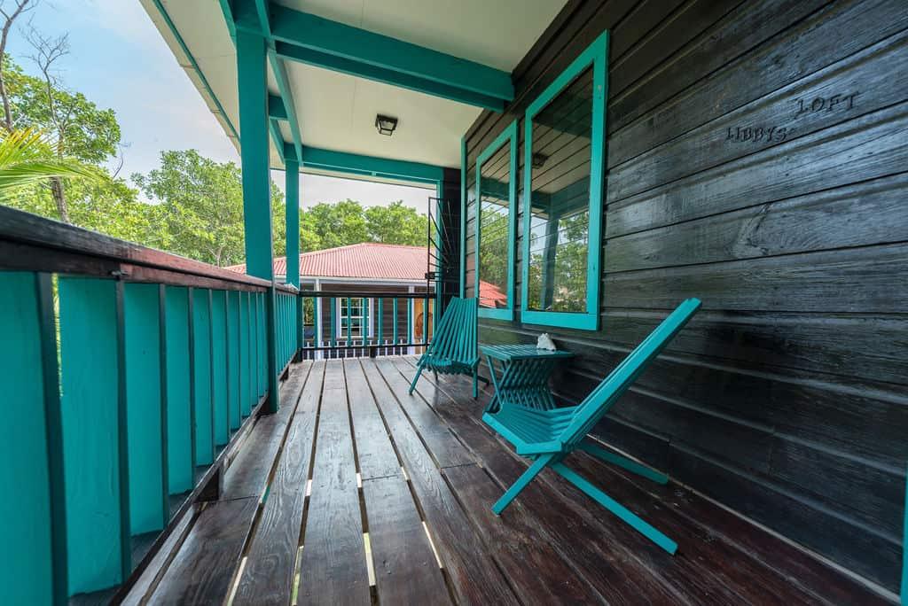 Barracuda House - Entrance Balcony
