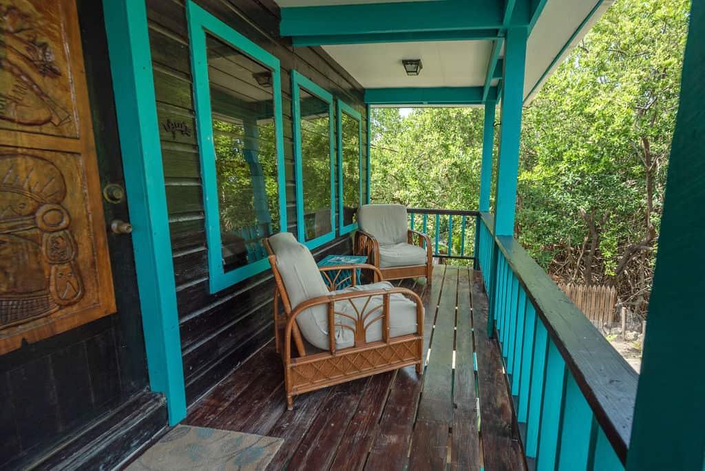 Barracuda House - Varandah with Chairs
