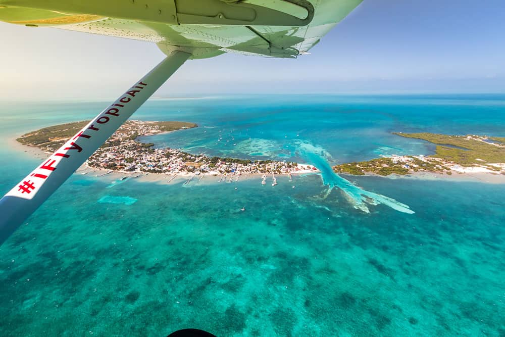 Tropic Air Picture Fly over Caye Cualker